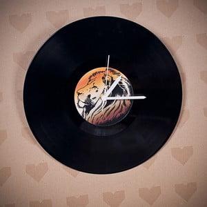 Vinylové hodiny Lev