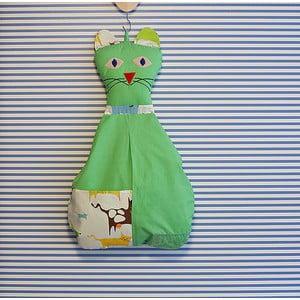 Závěsný kapsář Kočička, hráškově zelená