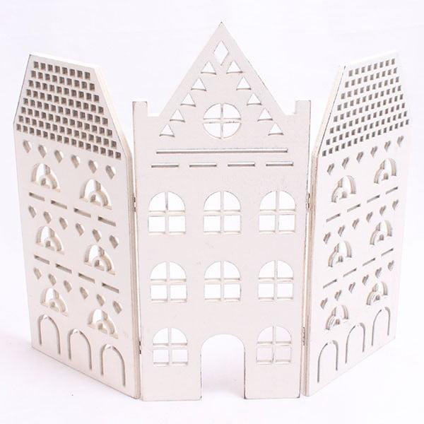 Dekorativní bílý domeček