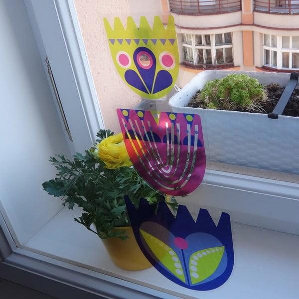 Přelepovací samolepka Kuřata s tulipány nad sebou