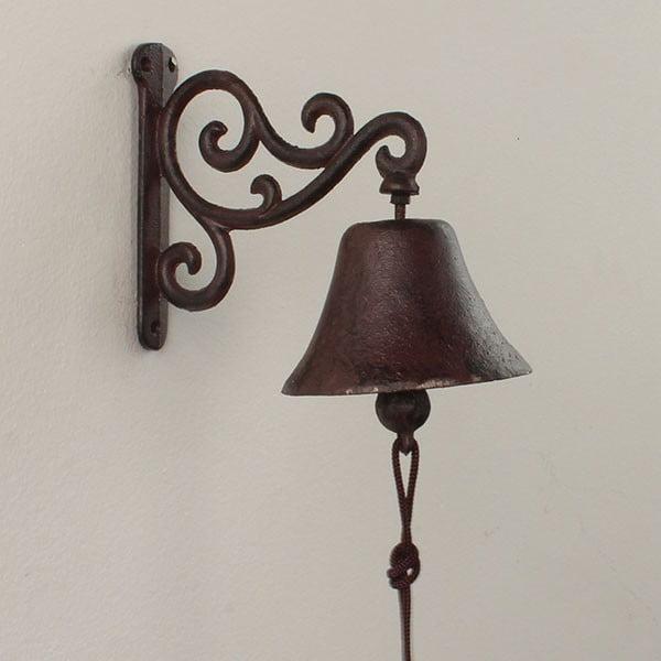 Nástěnný litinový zvonek Dakls