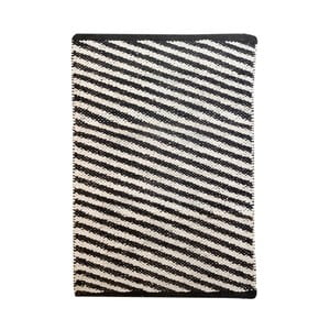 Černobílý bavlněný ručně tkaný koberec Diagonal, 140x200 cm