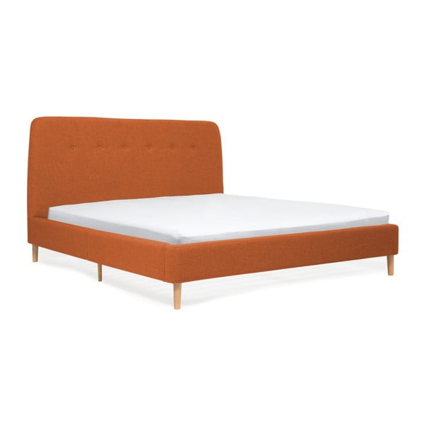 Oranžová dvoulůžková postel s dřevěnými nohami Vivonita Mae King Size, 180 x 200 cm