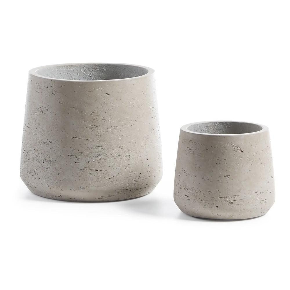 Sada dvou světle šedých betonových květináčů La Forma Lux